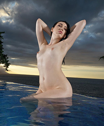 Aria Alexander naked photos